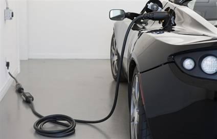 Bu yılki Paris Otomobil Fuarı elektrikli otomobil çağının başlangıcının simgesi olacak.