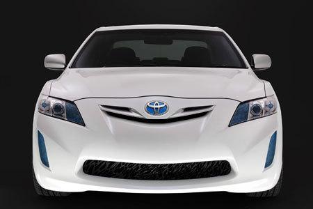 Toyota, Hibrit Faaliyetlerini Artırıyor!