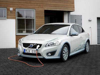 Volvo'dan menzil artırıcı sistemler!