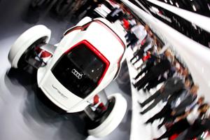 Frankfurt otomobil fuarı'nda hibrid araçlar yoğun ilgi gördü