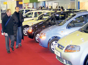 Bakan'dan yerli otomobil için çağrı