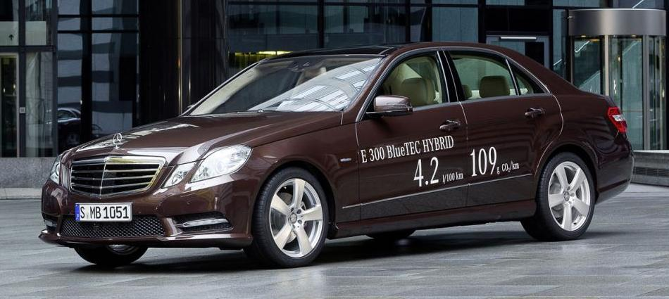 Mercedes-Benz E300 BlueTEC HYBRID ve E400 HYBRID