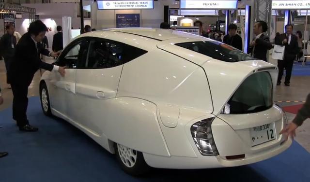 300 km Yol Alabilen Japon Yapımı Elektirikli Otomobil