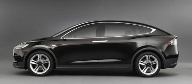 Hızlanması ile en spor otomobillerle aşık atan yedi kişilik SUV