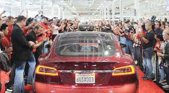 Dünyanın en uzun menzilli elektrikli sedanı