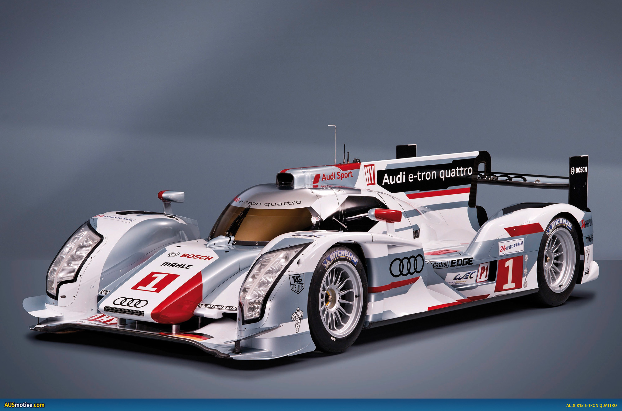 Audi dizel hibrit R18 E-tron quattro ile pole position'da