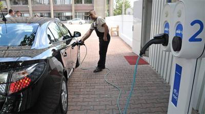 Bakan Ergün'den elektrikli araç önerisi