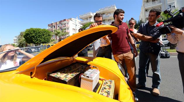 Türkiye'nin ilk elektrikli 'retro' spor otomobili yollarda