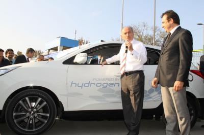 Hyundai ix35 Türkiye'de yola çıkan ilk hidrojenli araç oldu!
