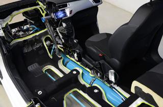 PSA'nın benzinli-havalı hibrit teknolojisi