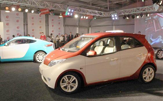 Rusya'nin ilk hibrid otomobili yollara çıkmaya hazır