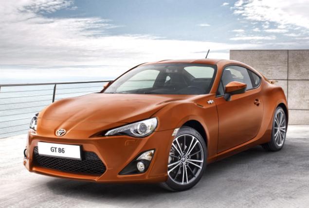 Toyota yenilenen yüzüyle Türkiye turunda