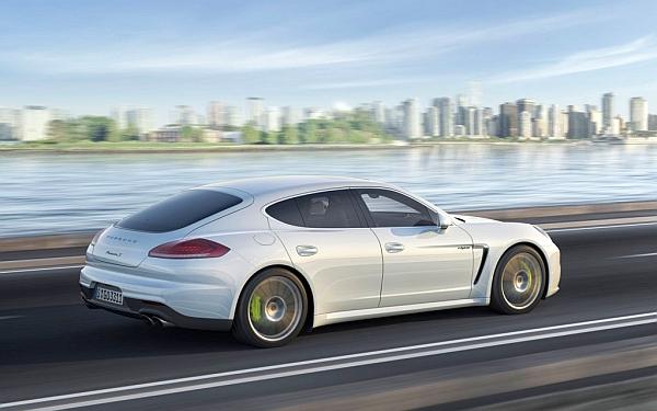 Porsche'den elektrikli  S E-Hybrid