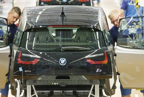 BMW i3'ü seriye bağladı