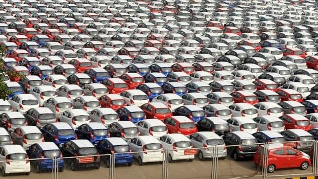 Otomobil pazarını ticari araç sürüklüyor