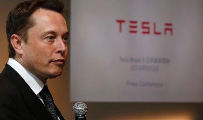 Tesla bomba patlatmaya hazırlanıyor!