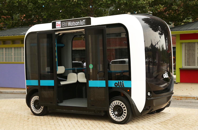 Elektrikle çalışan sürücüsüz minibüs Olli yola çıkıyor
