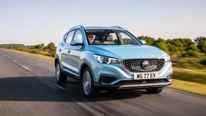 İngiliz MG firması, elektrikli crossover'ı ZS'yi satışa sundu
